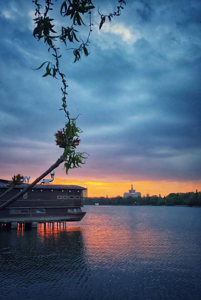 Apus pe Lacul Herăstrău