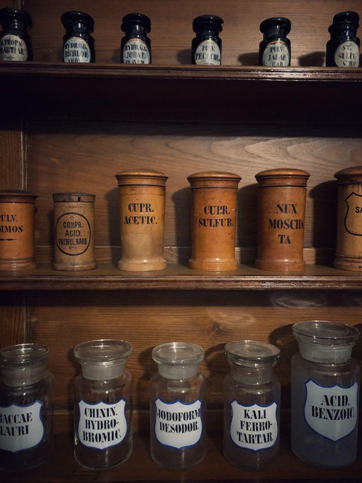 Ce poți vizita în Oradea Muzeul Farmaciei