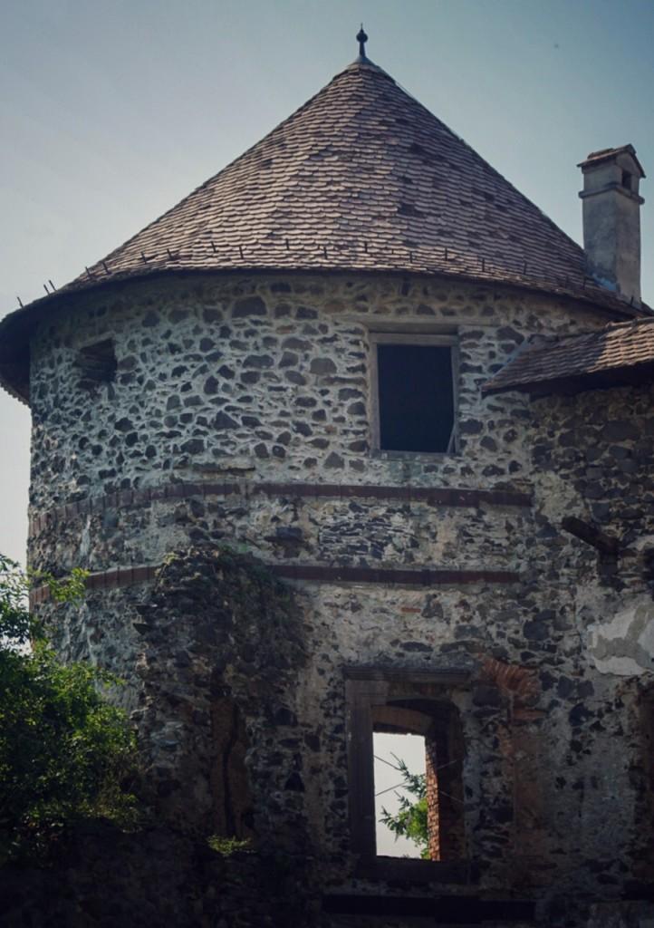 castelul din Racoş locuri inedite în România