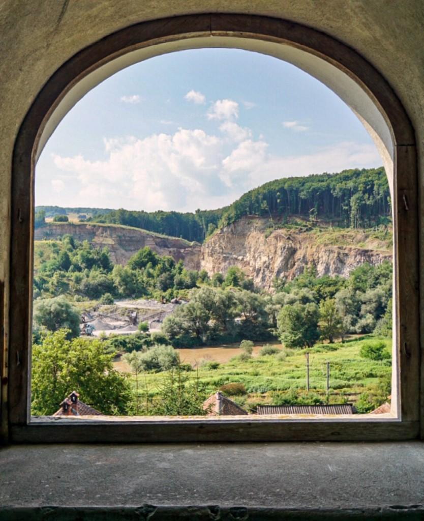 destinaţii de weekend locuri inedite în România excursie de o zi din Bucureşti